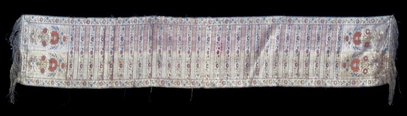 banded scarf of Polonaise type; gold and silver thread fringe