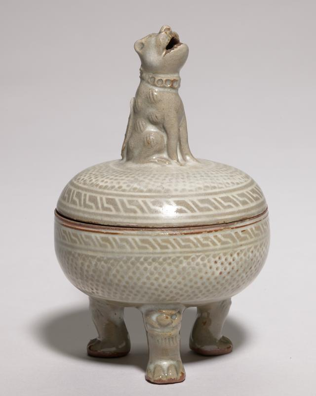 Incense burner, covered three legs, all-over decoration, simple border design of cloud and thunder. (Greek Key)