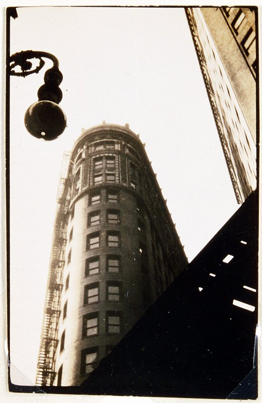 flatiron building and lamp