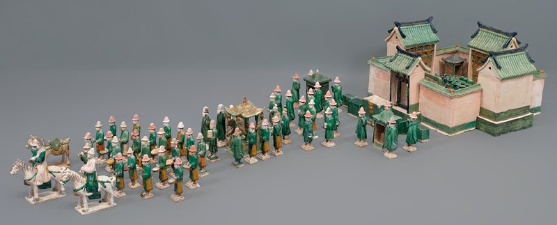 small dowry chest from wedding procession; three color glazed ceramic; one set of 33 pieces, including wedding party, palanquin, wedding chests, ceremonial food and wedding party