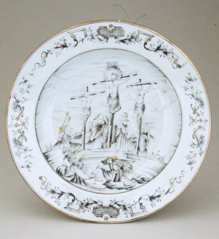 crucifixion plate, hard paste porcelain, Chinese Export XVIIIc cat. card dims H 1-3/4 x diam 9-1/16'