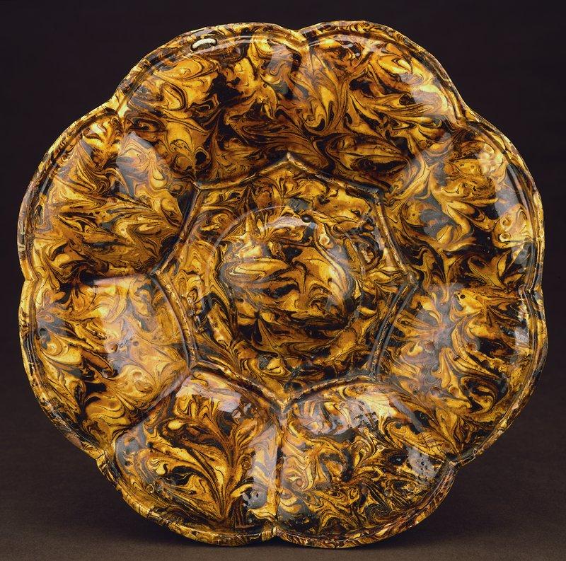 dish (attributed to John Simpson), ceramic, English, XVIIIc cat. card dims diam 11-1/4'